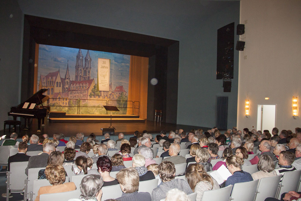 Winzerchor Meißen - Festkonzert zum 30. Chorjubiläum im Stadttheater